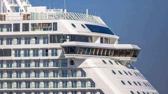 detail-of-cruise-ship